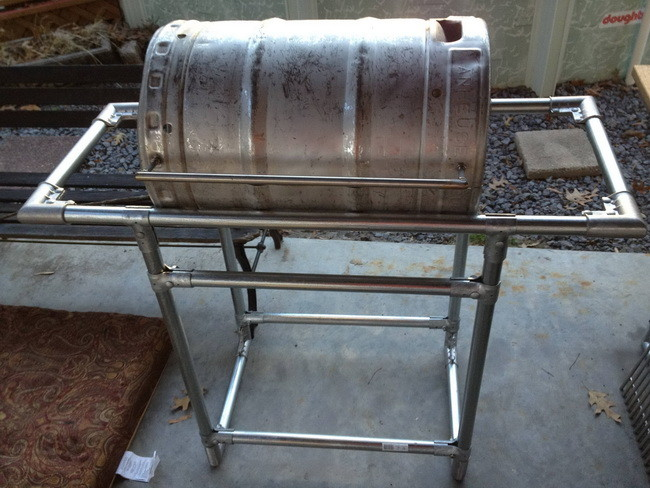 How to make a grill out of a beer keg 3