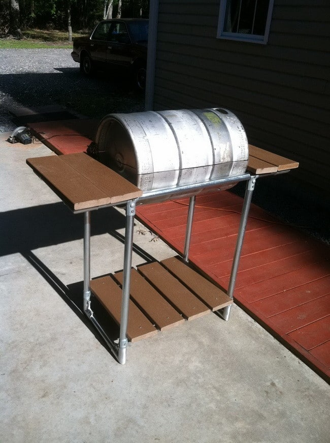 How to make a grill out of a beer keg 7