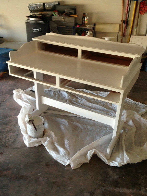 DIY Refurbished Repainted Desk Project - Desk Is Primed