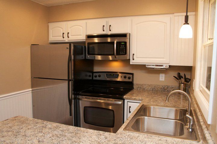 Beautiful kitchen remodel on a budget before and after for Kitchen remodels on a budget
