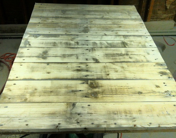 coffee table made from pallet