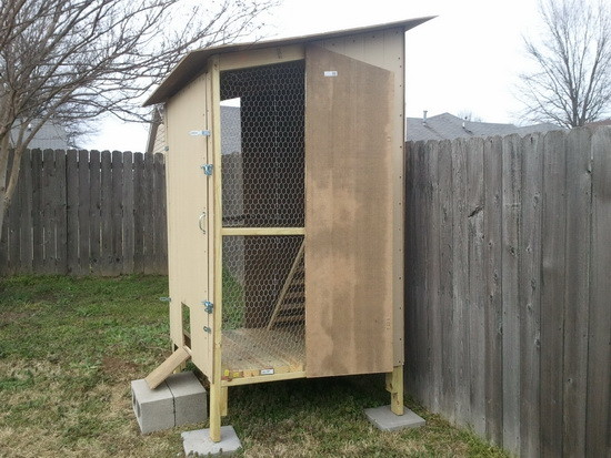 diy backyard chicken coop_13