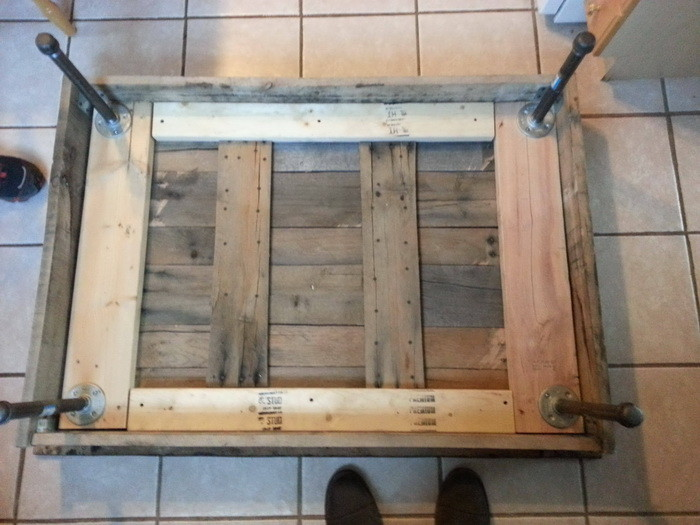 Bench Work: Crate diy coffee table
