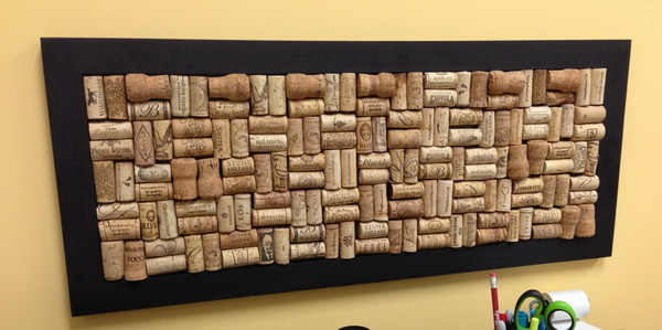 old frame into a wine cork board