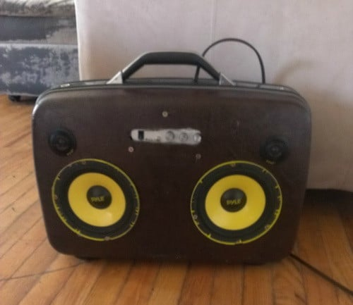 The Suitcase Boombox Blaster_2