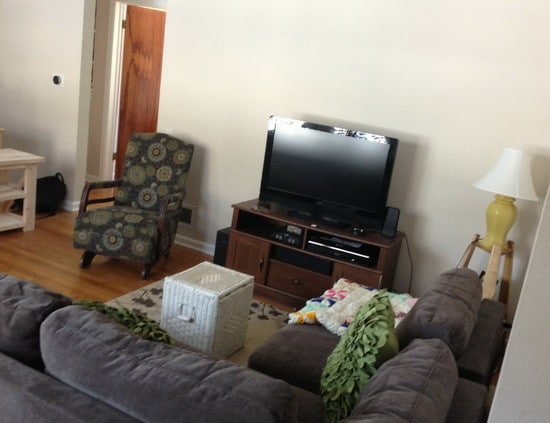 here is the living room before the remodel