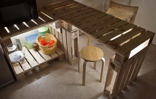 64 creative ideas and ways to recycle and reuse a wooden for Creative ways to make a table
