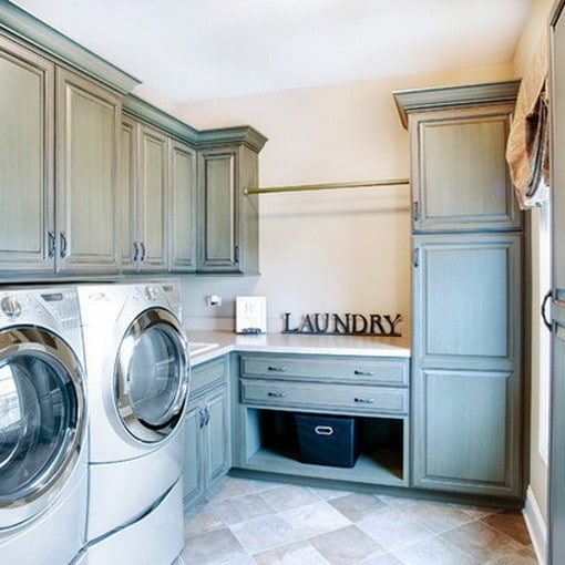 82 laundry room ideas ways to organize your laundry room for Laundry room cabinets ideas