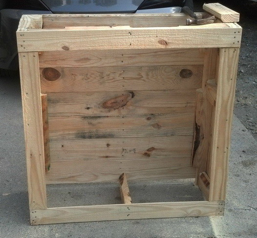 How to build a shelving cabinet from a wooden pallet for Making storage shelves out of pallets
