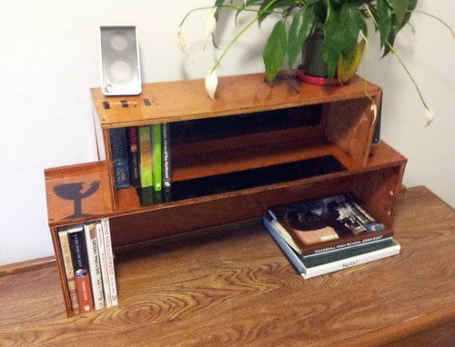 How To Build A Bookshelf From A Wooden Shipping Crate_3