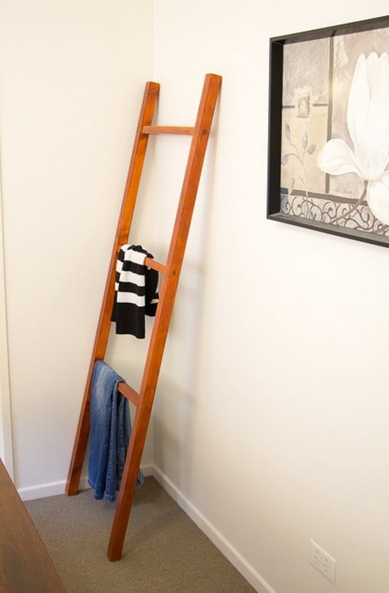 How To Make A Wooden Clothing Ladder Rack_06