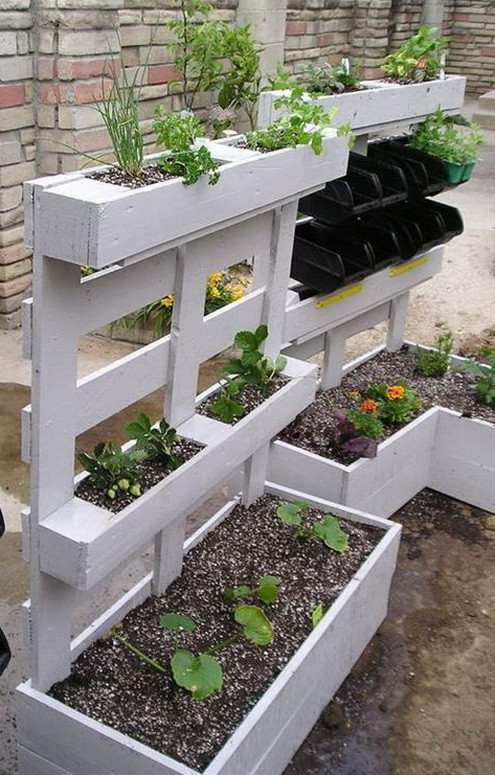 46 genius pallet building ideas for Macetero vertical pallet