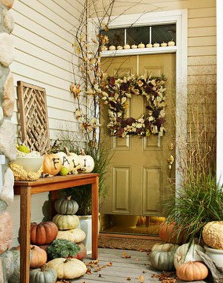 33 Front Porch Decorating Ideas For Fall | RemoveandReplace.com