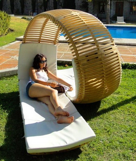 Loopita Bonita Lounge Chair