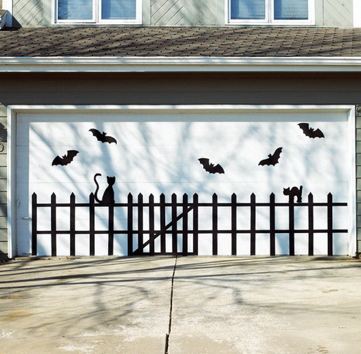 Scary Outdoor Halloween Decorations And Silhouettes_01