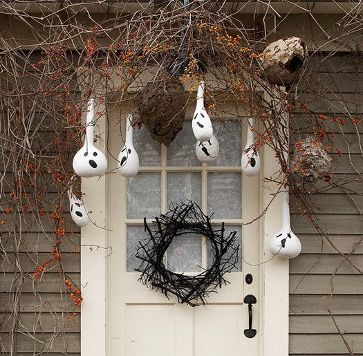 Halloween Decorated Door: 34 Scary Outdoor Halloween Decorations And Silhouette