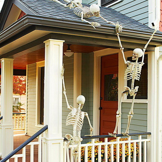 Scary Outdoor Halloween Decorations And Silhouettes_14