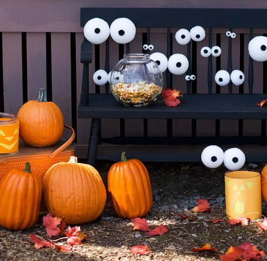 Scary Outdoor Halloween Decorations And Silhouettes_15
