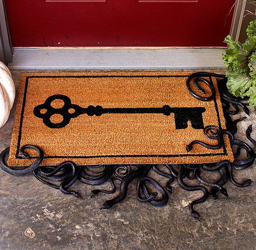 34 Scary Outdoor Halloween Decorations And Silhouette Ideas