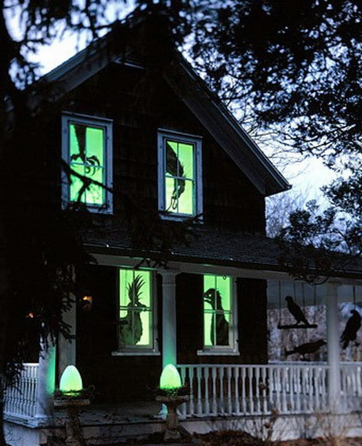 Scary Outdoor Halloween Decorations And Silhouettes_20