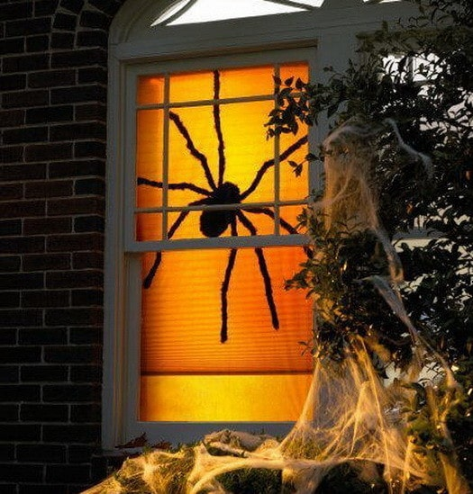 Scary Outdoor Halloween Decorations And Silhouettes_24