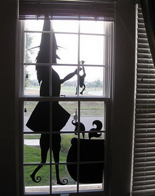 34 scary outdoor halloween decorations and silhouette ideas. Black Bedroom Furniture Sets. Home Design Ideas