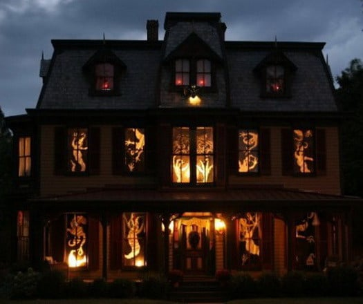 34 scary outdoor halloween decorations and silhouette for Scary halloween home decorations