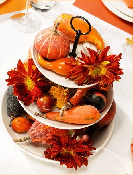 Thanksgiving decorating ideas and traditional recipes
