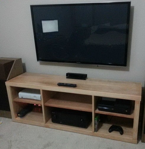 How to build a simple diy tv stand using wood for Diy tv table