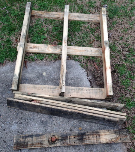 Pallet Herb Garden Shelf_1