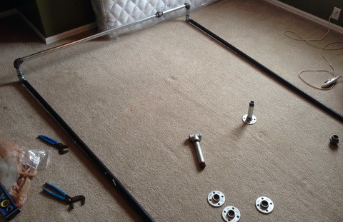 How To Build A Bed Frame Out Of Metal Pipe_3