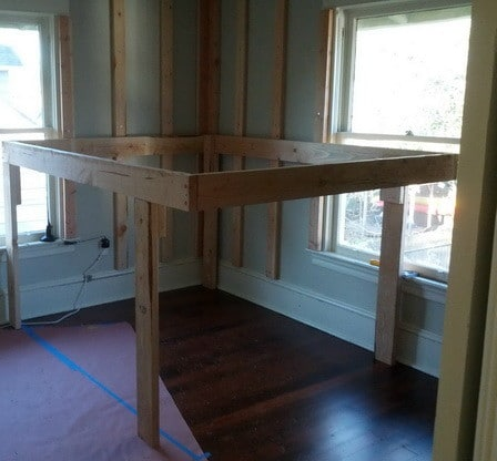 DIY Elevated Bed Frame With Storage Underneath_03