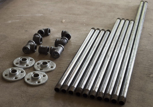 DIY Metal Pipe Table_3
