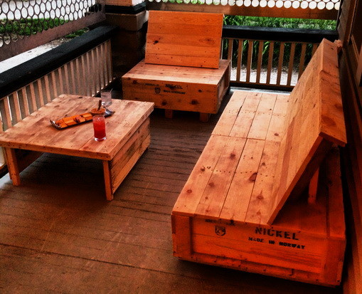 How to recycle a wooden crate into furniture us2 Wooden crates furniture