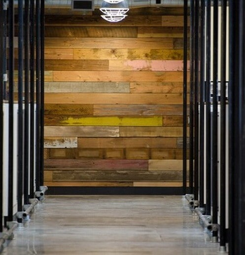 30 DIY Pallet Wall Ideas_02