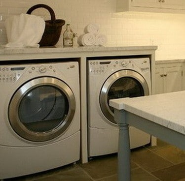 Counter Height Washing Machine : DIY Laundry Room Countertop Over Washer Dryer RemoveandReplace.com