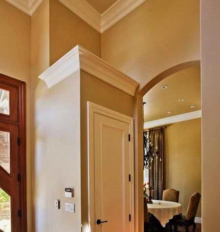 Ceiling Molding Design Ideas moulding installation contemporary living room Crown Molding Ideas_34