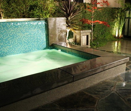30 Creative Outdoor Backyard Water Walls_01