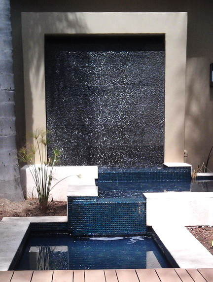 30 Creative Outdoor Backyard Water Walls_05