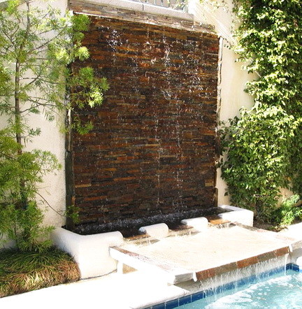 30 Creative Outdoor Backyard Water Walls_06