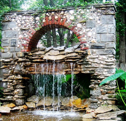 30 Creative Outdoor Backyard Water Walls_08