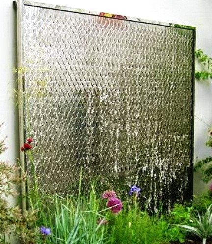 30 Creative Outdoor Backyard Water Walls_11