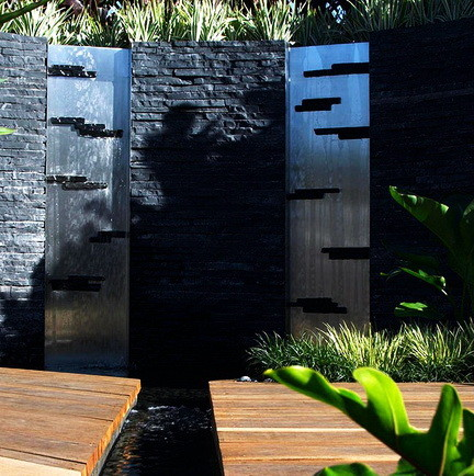 30 Creative Outdoor Backyard Water Walls_27