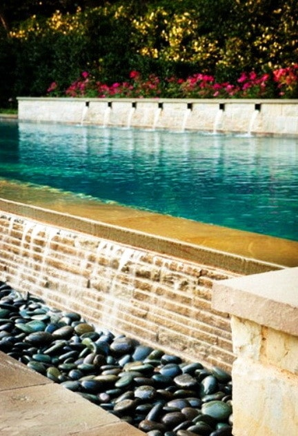 30 Creative Outdoor Backyard Water Walls_30