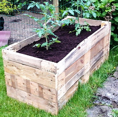 DIY Raised Garden Planter Made From A Wooden Pallet