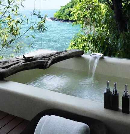 Ultra Luxury Bathrooms With A View_01