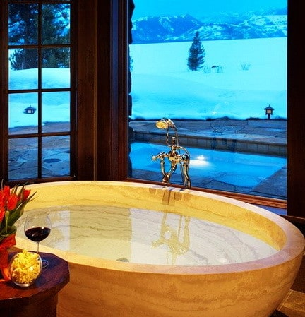 Ultra Luxury Bathrooms With A View_05