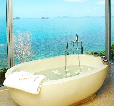 Ultra Luxury Bathrooms With A View_13