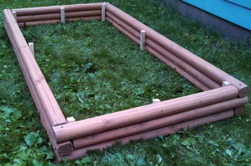 DIY Landscaping Timbers Raised Garden Bed_01