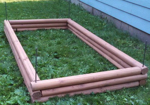 DIY Landscaping Timbers Raised Garden Bed_04